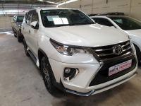 Bán xe Toyota Fortuner 2.4G 4x2 AT 2018 giá 1 Tỷ 270 Triệu - TP HCM