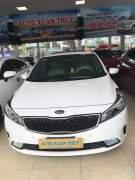 Bán xe Kia Cerato Signature 1.6 AT 2017 giá 590 Triệu - Quảng Ninh